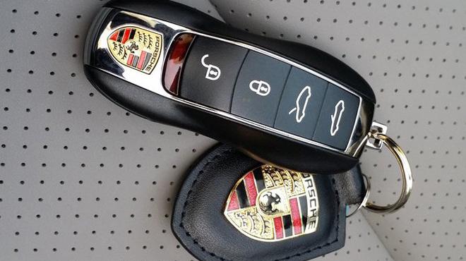 Sửa khóa xe ô tô Porsche