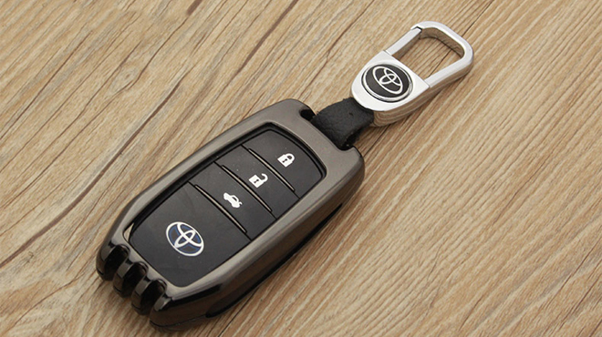 Độ chìa khóa xe ô tô Toyota