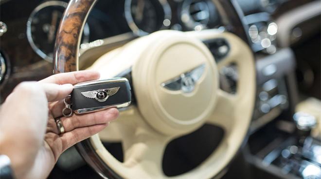 Độ chìa khóa xe ô tô Bentley