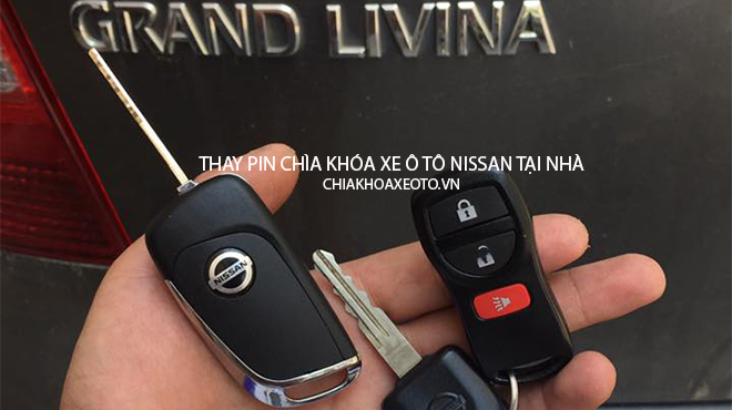 Thay pin chìa khóa xe ô tô Nissan